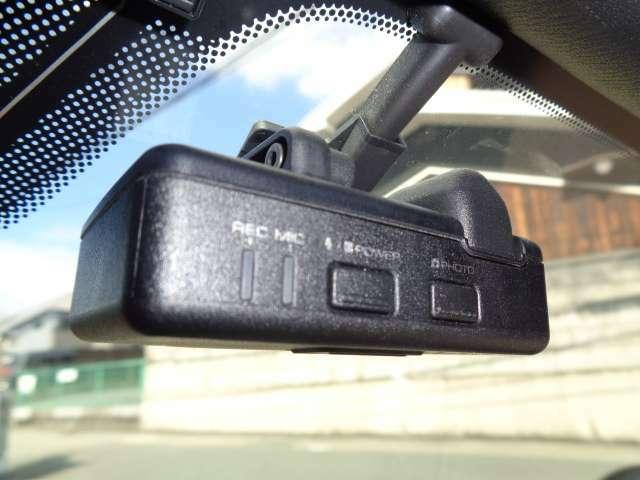 万が一の時に安心のドライブレコーダーが付いてます☆