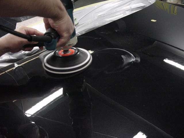 Bプラン画像:●1台1台ボディーの状態を判断し、可能な限り塗装を鏡面処理、小傷等を取り除き最良の状態まで仕上げてコーティング剤の持つ性能を最大限まで引き出します。きれいなお車をさらに仕上げて特別な一台に仕上げます。