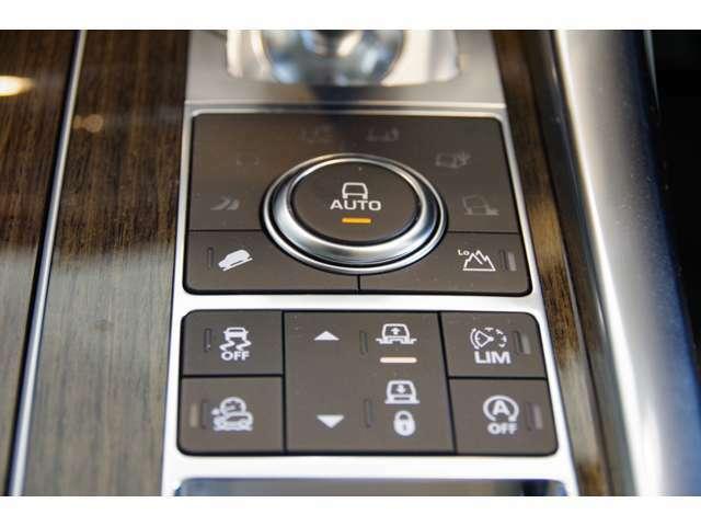 『テレインレスポンスII』複数のセンサーをモニタリングして走行状況に応じたさまざまな車両設定を自動的に選択。サスペンション、パワートレーン、スリップコントロールの設定を最適に調整してくれます!