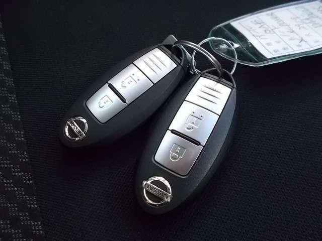 インテリジェントキーはカバンから出さずに携帯しているだけでエンジン始動やドアロックができる便利なキーです。