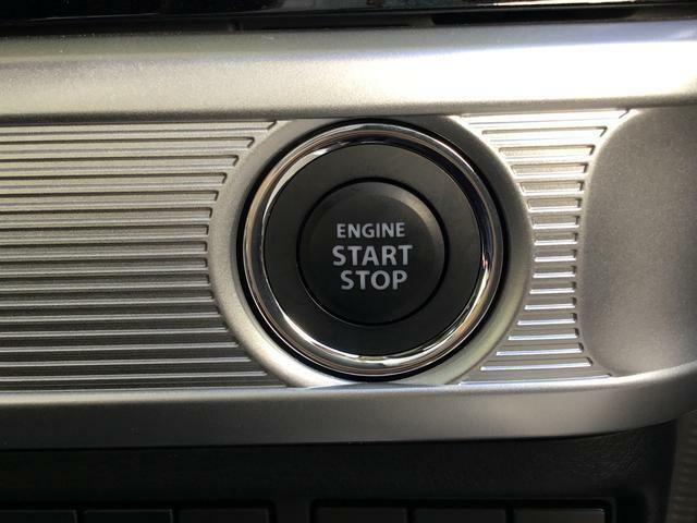 キーレスプッシュスタート指一本でエンジンかかります。