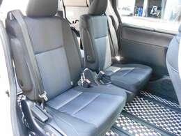 リヤシートです!広く座りやすい後部座席♪