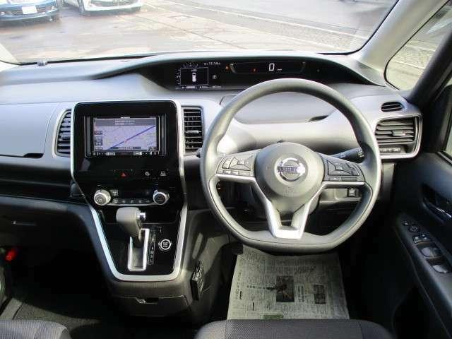 視界が広く軽いハンドル操作で女性の方でも運転しやすいです!