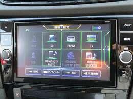 純正ナビゲーションはフルセグTVやBluetoothにも対応しています。