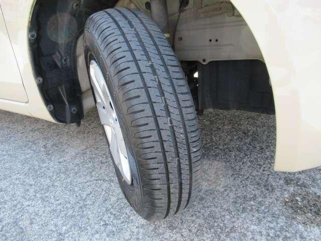 タイヤは安心の国内メーカー製!フロントタイヤは府ダンロップ製エコタイヤ!2020年製!