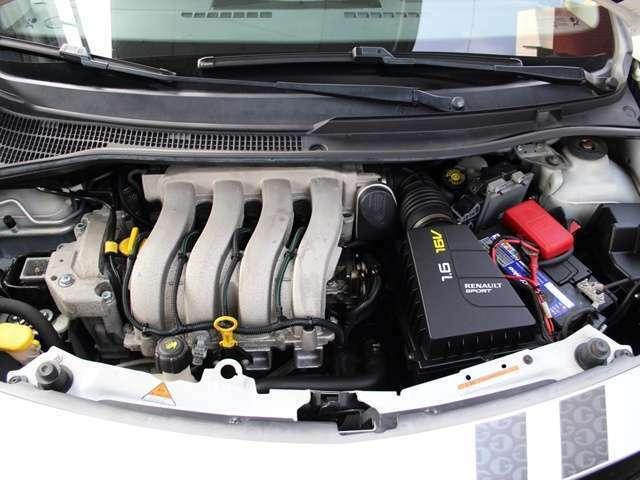 エンジンルームも綺麗な状態です。RECS吸気系洗浄など特性に適したオプションメニューもご用意しております。