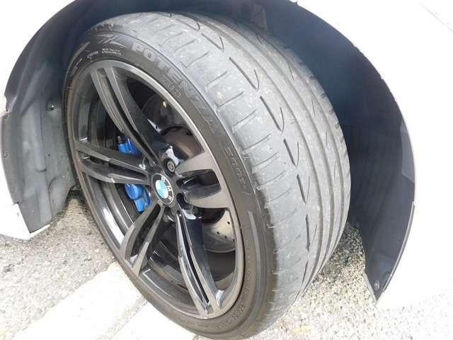 タイヤはPOTENZA S001です。