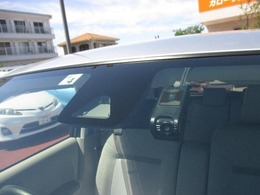 こちらの車両には衝突防止装置やいざという時安心!ドライブレコーダーが付いております♪