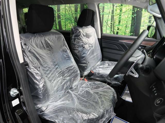 抗菌・消臭・防汚に最適!!【サンライトコーティング】の施工もオススメです。光触媒で紫外線を受けることによって継続的に車内をクリーンに保つことができます。