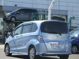 U-Select成田では人気車に的を絞って豊富に在庫を取り揃え!軽自動車からコンパクトカー、ミニバン、セダン、話題のSUVなどなど☆続々入庫中☆お気に入りの1台と運命の出逢いをお手伝い致します♪