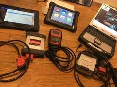 各メーカーに対応した高性能診断機です。メルセデス・ポシェ・TPMS純正テスター導入!故障診断、設定変更まで対応できます。