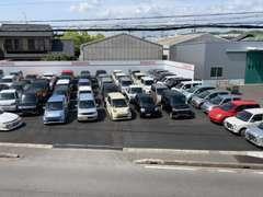 毎週続々と30台ほど新在庫車が入庫中!常時在庫50台以上です。インターネット掲載前のお車も多数ご用意してあります!