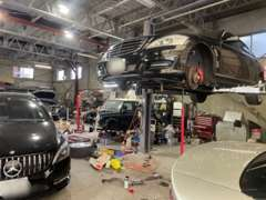当社、指定整備工場です。板金、修理、車検もお気軽にお申しください。