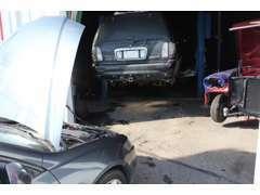 車検代行・一般整備もお任せください。整備ができないと安全な改造はできないと思います。安心してお乗り頂ける努力は怠りません