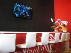 Cafeを楽しみながらのクルマ談義をお楽しみください。