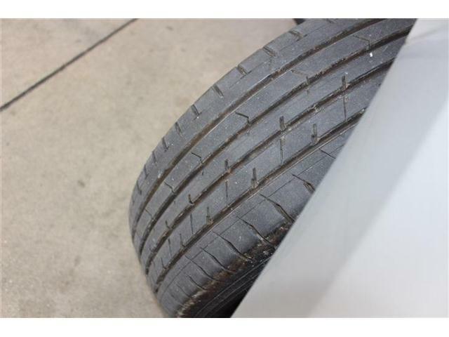 タイヤの溝は約6ミリ程度ございます!!