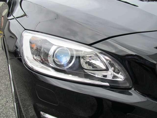 キセノンヘッドライトは明るくとても視認性もよくオススメです