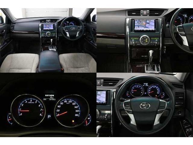 ★木目パネルをふんだんに使った高級感溢れるデザイン。運転席から、各種ボタンの操作がしやすいように設計されています。