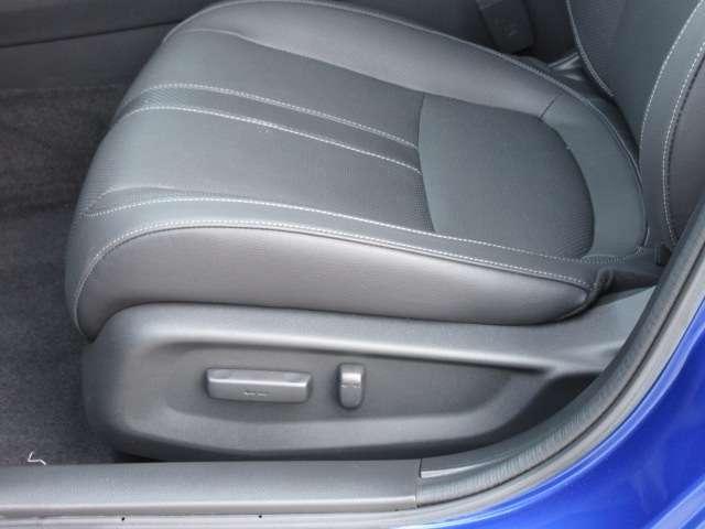 運転席&助手席パワーシート機能付き♪ お好きなシートポジションを簡単操作で調整することが出来ます♪