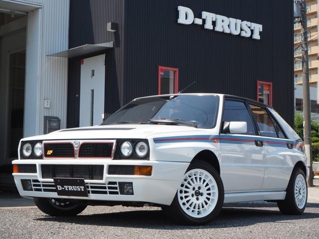 新着入庫!1994年新車並行車ランチア-デルタ-インテグラーレHF-マルティーニ5世界限定モデル400台-生産終了モデル-ユーザー買取車。こちらのお車はお電話でのお問い合わせに限らせていただきます。