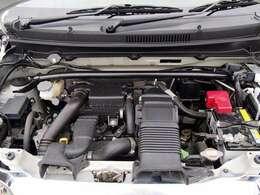 エクステリアは、カーボン調フロントバンパーアッパーガーニッシュ「WORKS」、ブラック塗装の15インチアルミホイールを装備。