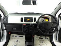 ダッシュボードが低く、運転しやすいです。