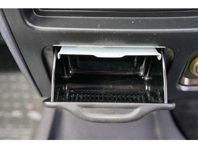 カーレボの代車はレンタカー登録の車両なので保険もしっかり入っていて安心です(^^)軽自動車からハイブリッド・セダン・ミニバンと幅広いラインアップ!