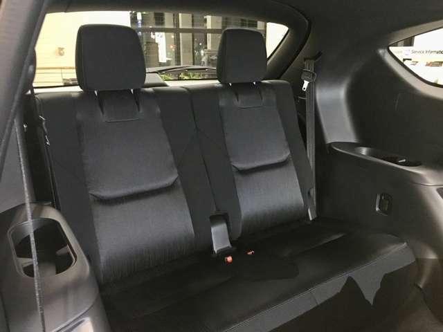 SUVでサードシートは異質かもしれませんが「CX-8」はファミリーでもゆったり乗車する事ができます♪