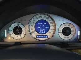 実走行「48,390km」警告灯の点灯などなく機関良好です