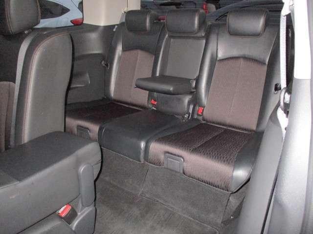 サードシートもゆったりできます。