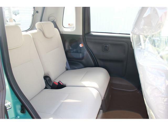 後部座席にも高さ・広さがあるのでお買い物時に出来た荷物の積み込みも楽々です♪