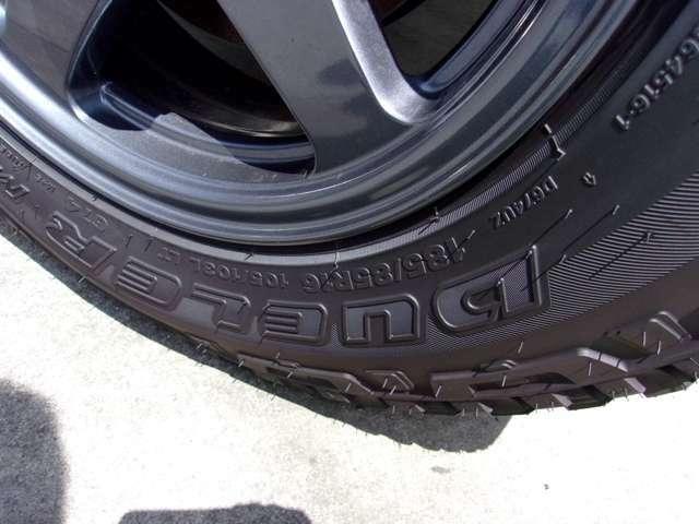タイヤはBRIDGESTONEのDULER185/85R16 M/T