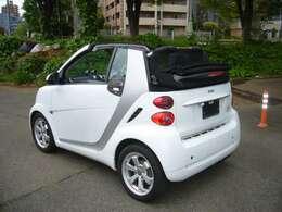 対は国産タイヤに交換されております。純正はコンチ。乗り心地は国産、硬いのはコンチ。