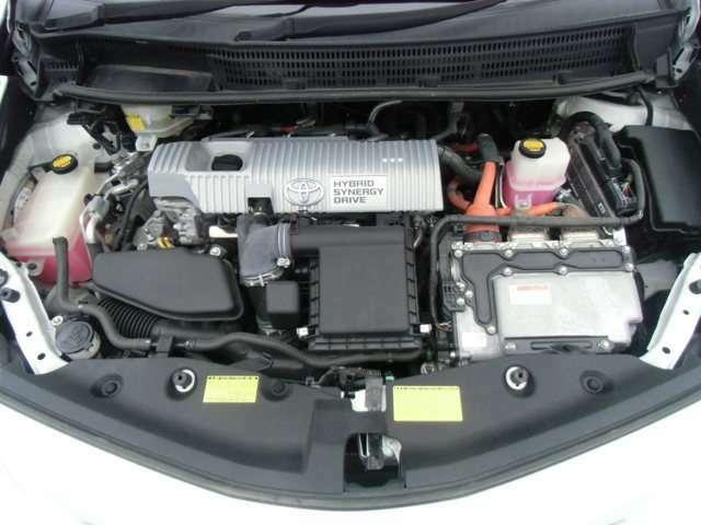 エンジンルームもキレイです!提携先の認証工場でしっかり車検整備しますのでご安心下さい!