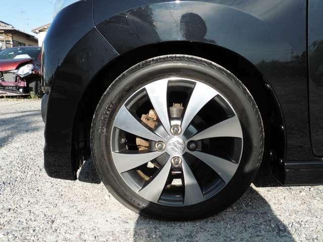 純正のアルミ付きです!新品タイヤ、バッテリーに交換するプランもございます。ご相談ください。