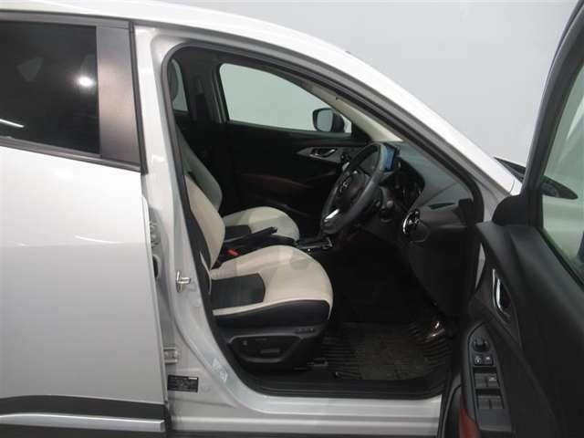 ◆高めの座席で視認性が高く、安全且つ快適な運転が出来ます!