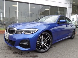 BMW 3シリーズ 320i Mスポーツ デビューP黒革19AWデモカー認定中古車