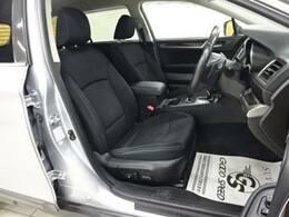 各ブランドのシートカバーの取り扱いもございます。また、弊社オリジナルフロアマットもご用意しております。自慢の愛車をアレンジしてみてはいかがでしょうか。