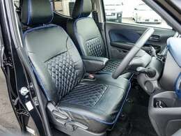 弊社オリジナルのフルカバー対応シートカバー付き。前席は寒い冬にヌクヌクのシートヒーター付きです