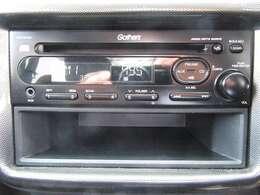CD再生可能な純正オーディオ装備しております!