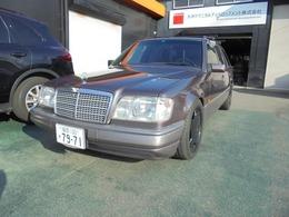 メルセデス・ベンツ ミディアムクラスワゴン/Tシリーズ 1ナンバー ローダウン