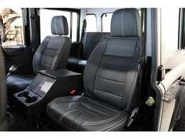 フロントシートは新品に交換いたしました。