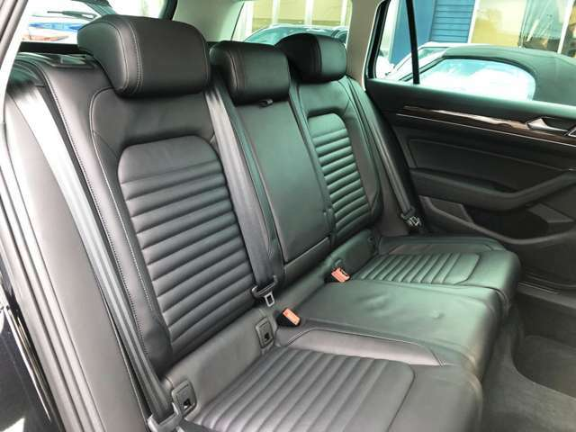 ●後席シート『座り心地のいいシートなので、ゲスト様もゆっくりとお乗り頂けます。』