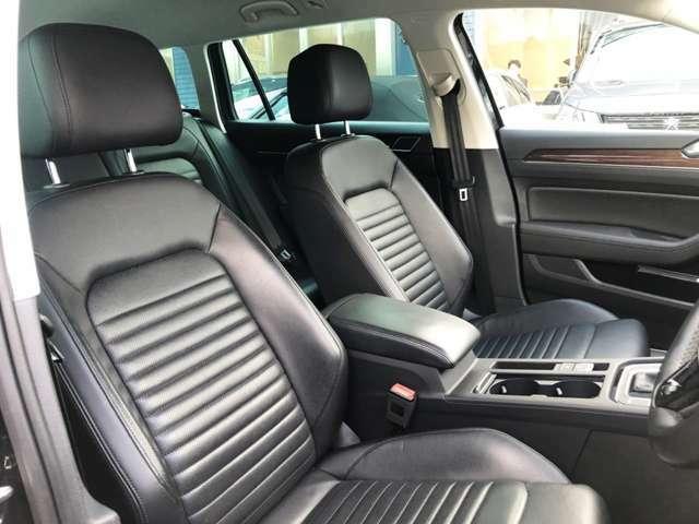 ●運転席周り『フルレザーシートは、ホールド感もありおススメです。』