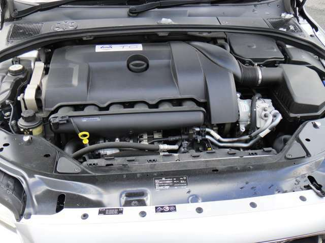中古車情報はもちろん、新車・サービスの最新情報を掲載。ホームページは http://www.ideal-hp.com