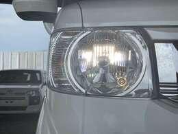 ナイトドライブの強い味方として人気のHIDヘッドライトです!