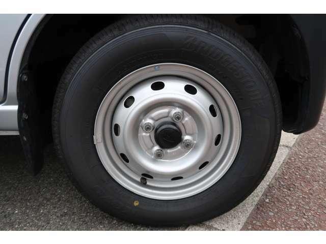 タイヤも新品4本交換済み!安心ください!