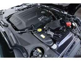 <主要諸元>5.0L V8DOHCスーパーチャージャー550ps/69.3kgm
