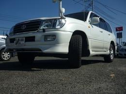 トヨタ ランドクルーザー100 4.7 VXリミテッド 4WD ・純正アルミ・タイヤ2019年式9分山