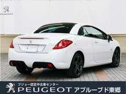 ボディーサイズは、全長4455×全幅1820×全高1430mmです。車体色は、308CCはパールホワイトの設定です。
